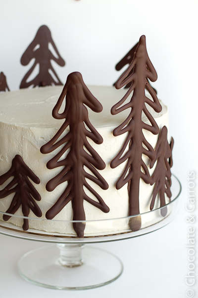 christmas cake tutorial: chocolate raspberry forest cake