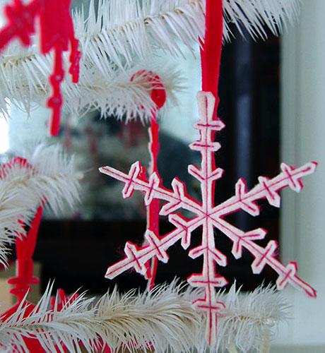 christmas craft ideas: felt snowflakes tutorial