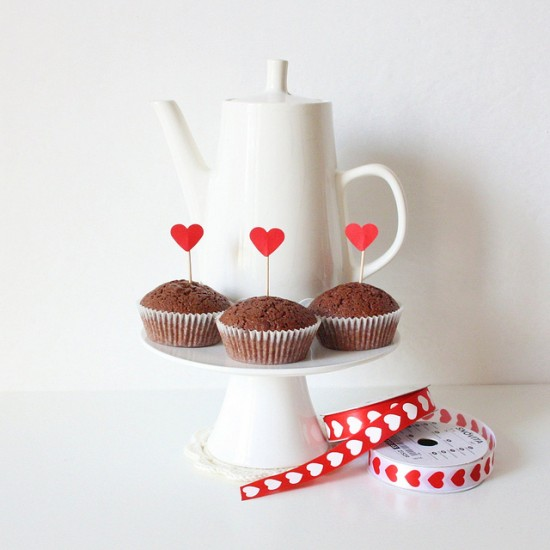 valentine's day diy: easy cupcake toppers tutorial