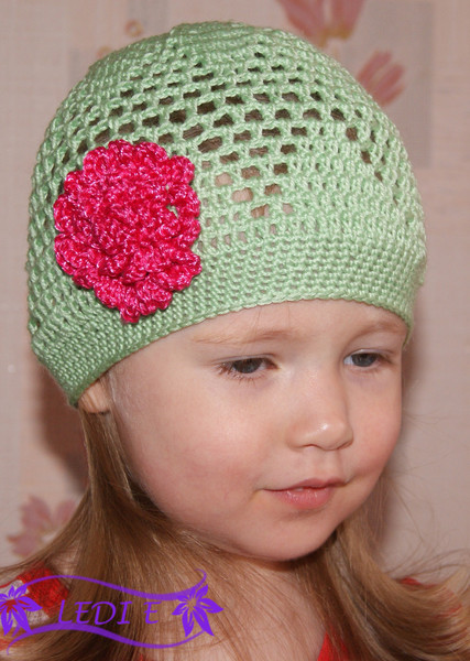 beautiful hat for little girls, free crochet patterns