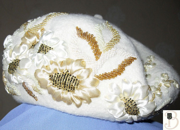 Beautiful berets with bead embroidery patterns crafts