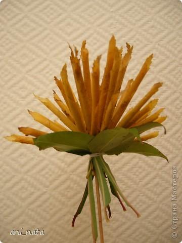 Мастер-класс Моделирование: Хризантемы из осенних листьев. Бумага гофрированная, Листья, Нитки Праздник осени. Фото 16