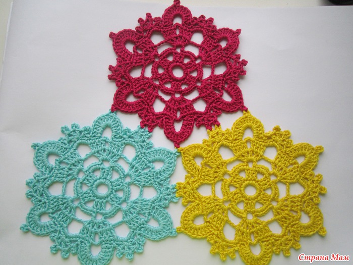 crochet snowflakes for christmas decor