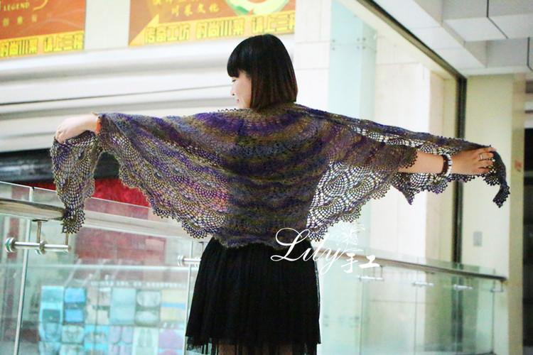 crochet beauty pineapple shawl for lady