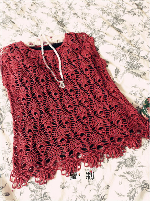 crochet lace tunic of pineapple stitch